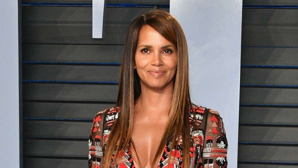Halle Berry Brings The Fire To Vanity Fair Oscar Party
