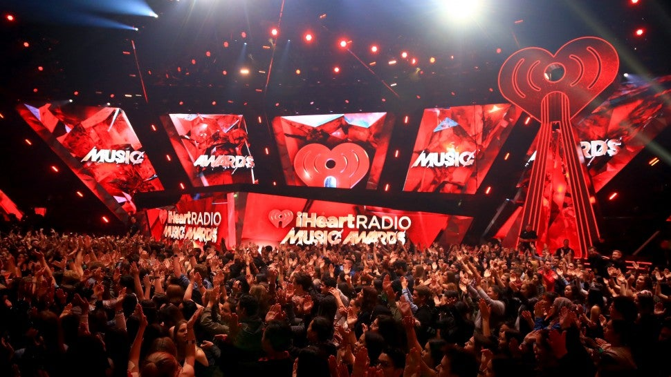 Camila Cabello & Young Thug Perform 'Havana' at iHeartRadio Music Awards