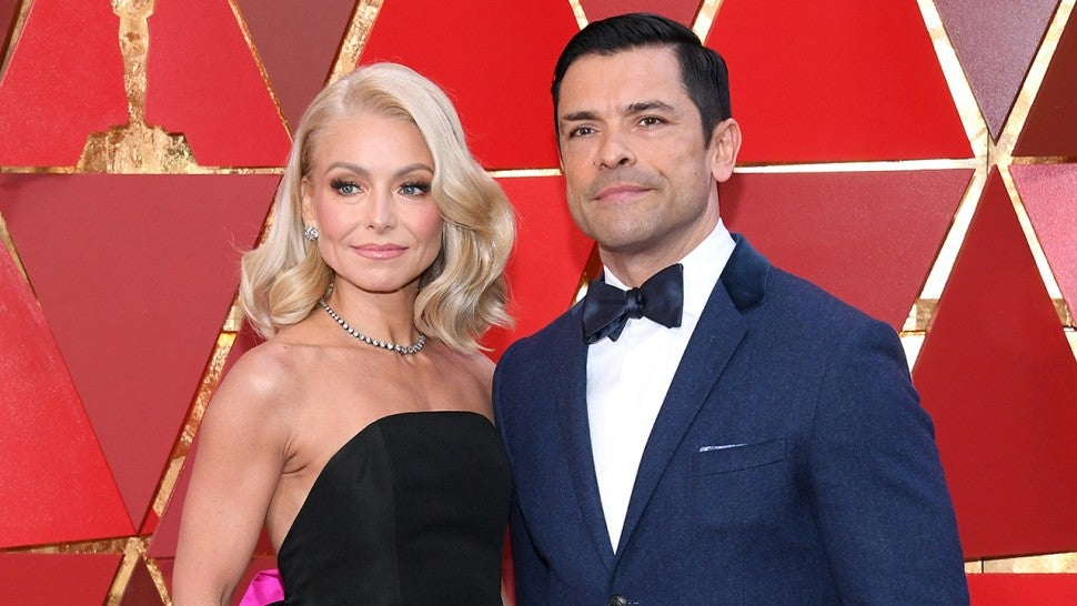 Mark Consuelos slams Kelly Ripa's body shamers after posting bikini pic