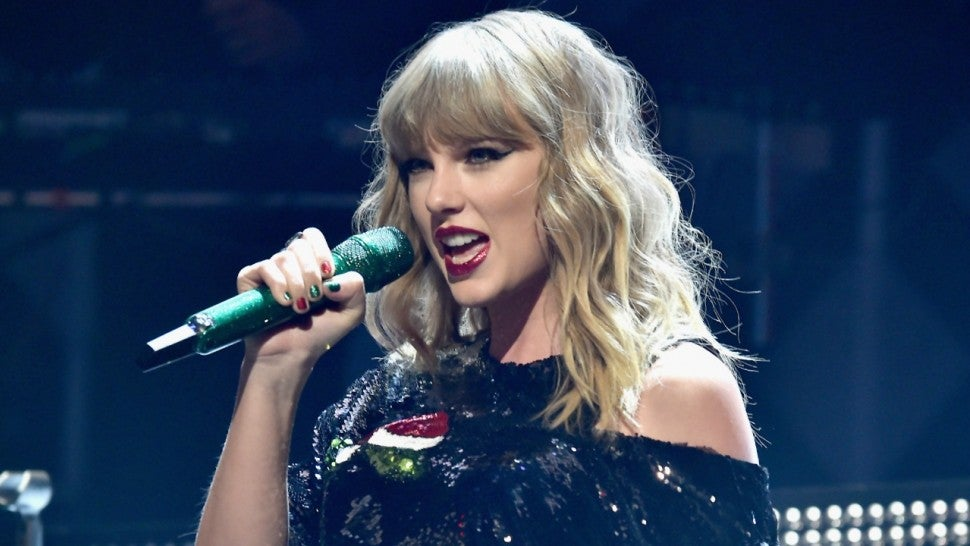 Man Arrested After Breaking Into Taylor Swifts New York City Apartment