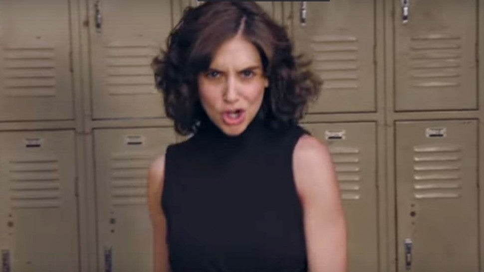 Alison Brie Glow