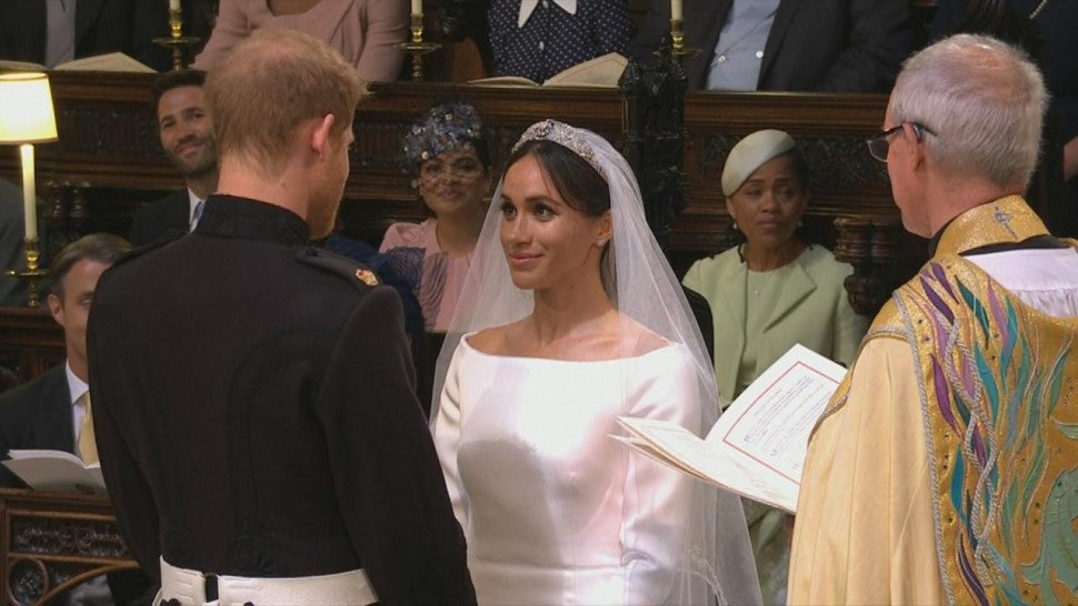 Givenchy Wedding Dress.Why Meghan Markle Chose An Understated Wedding Dress Entertainment