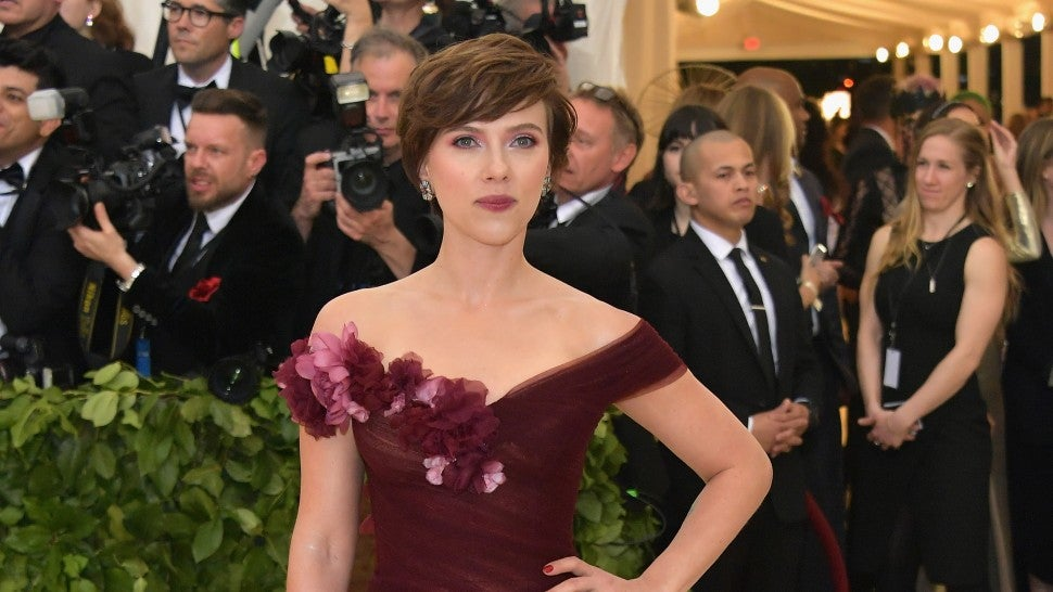 Scarlett Johansson defends dress decision