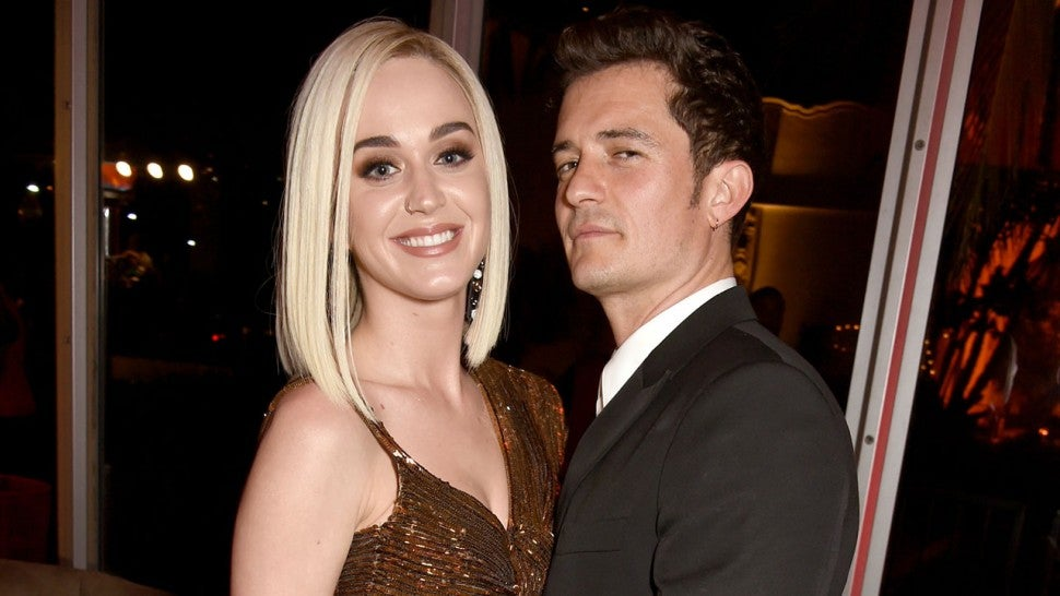 A Closer Look At Katy Perry S Gorgeous Engagement Ring From Orlando Bloom Exclusive Entertainment Tonight