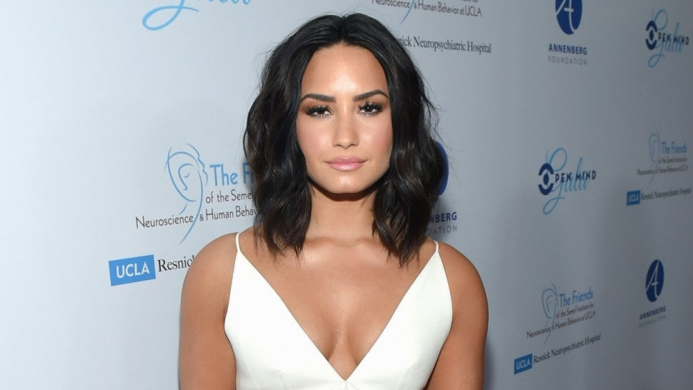 Cancelled show don't deter Demi Lovato fans