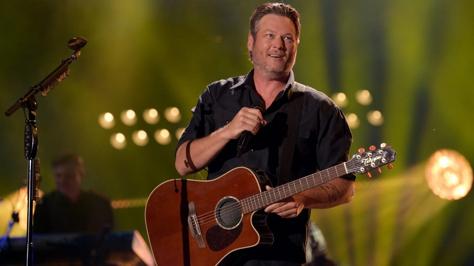 Blake Shelton Falls While Performing: 'Yes, I Had Been Drinking'