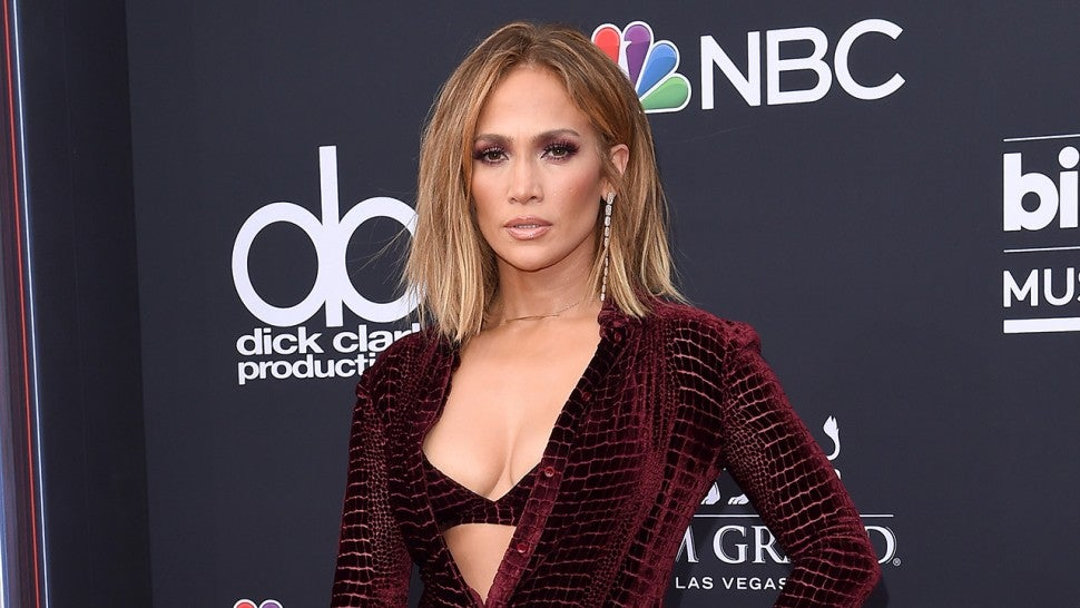 d8ff35edcce6 6 Beauty Products Jennifer Lopez Uses To Achieve Her Ageless Glow ...