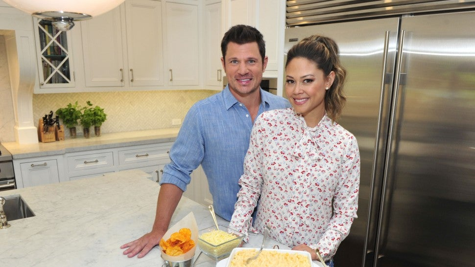 who is nick lachey married