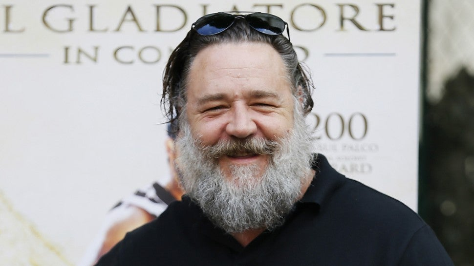 russell crowe pokes fun at his enormous appearance