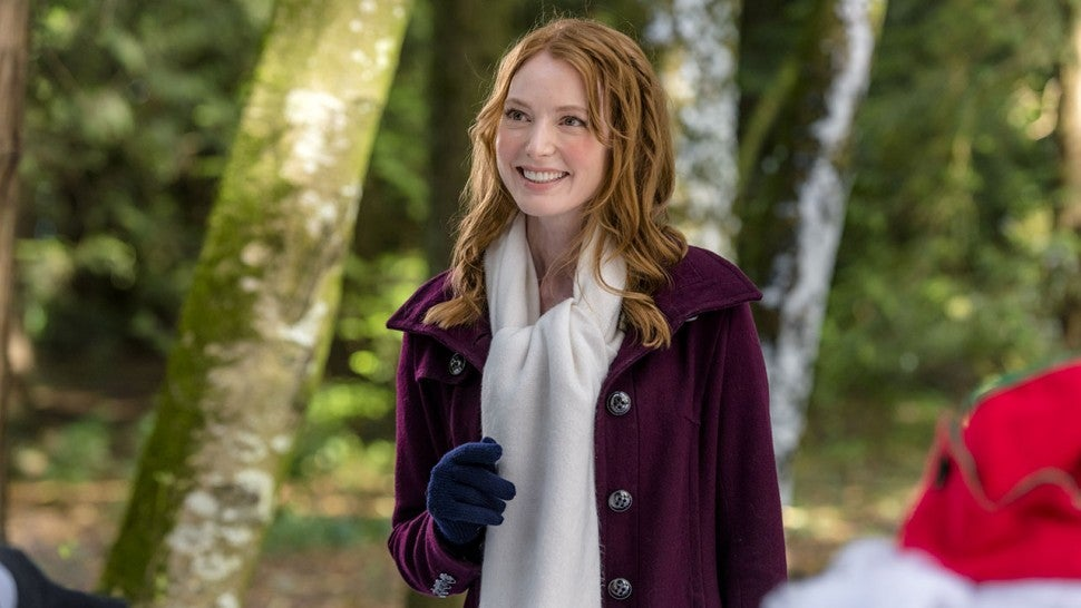 Hallmark Reveals Casts for Two Christmas Movies (Exclusive ...