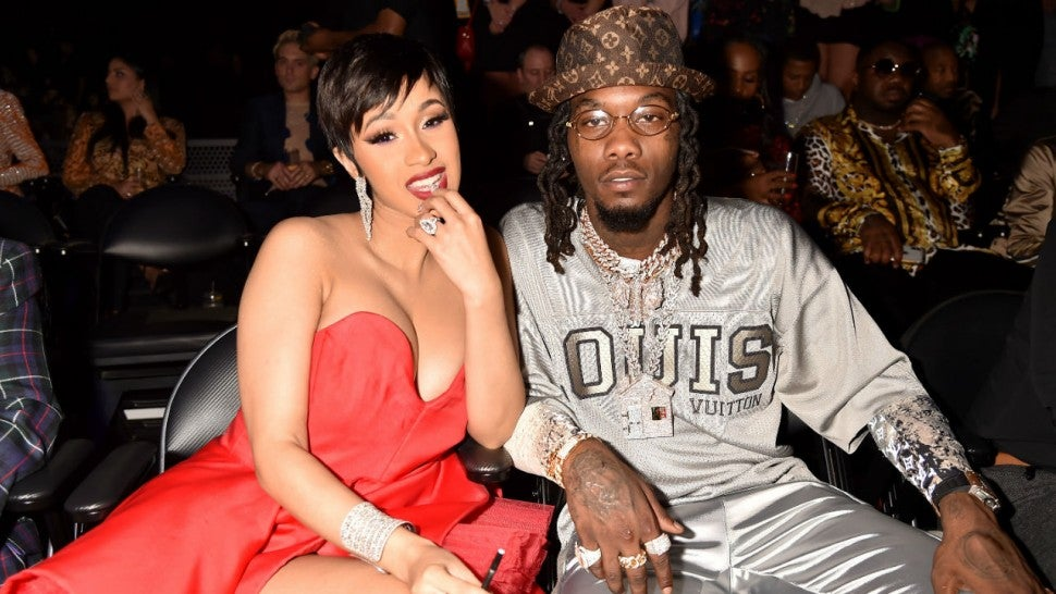 Offset Shares Nude Photo Of Goddess Wife Cardi B Before Surprise Nyc Performance -8959