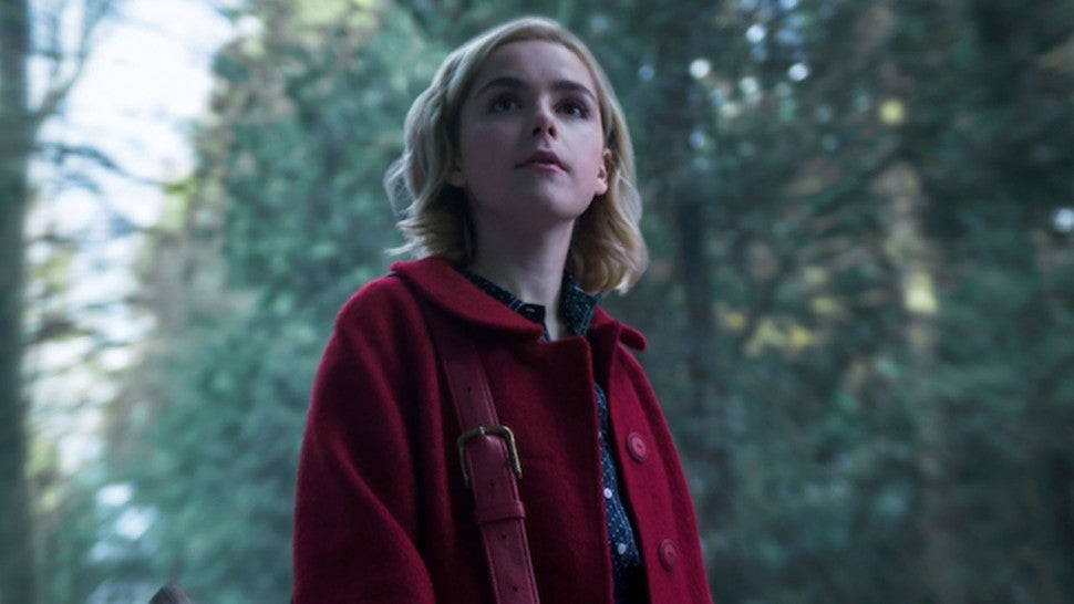 First Photos Of Kiernan Shipka As Sabrina The Teenage Witch Are Pretty Haunting Entertainment