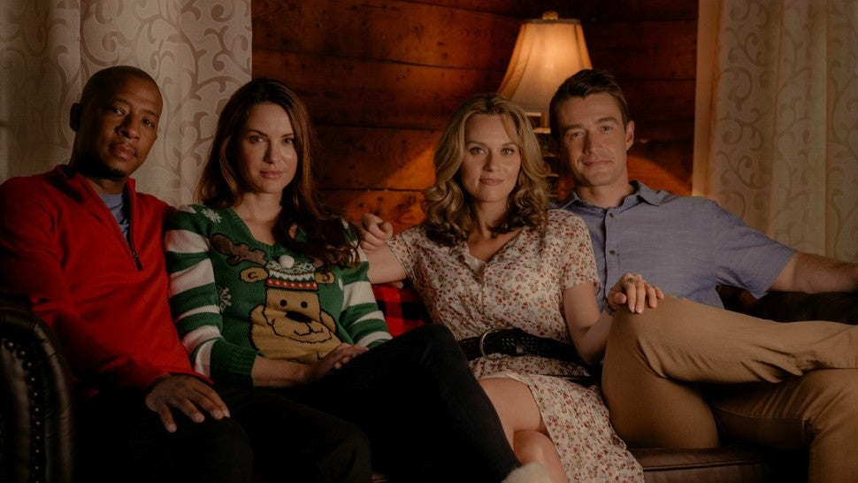 Hallmark Christmas Getaway Cast.First Look At Lifetime S Holiday Slate One Tree Hill