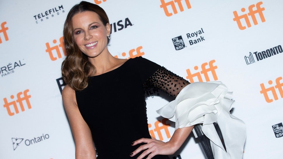 Kate Beckinsale Adorably Attempts to Recreate 'Serendipity' Elevator