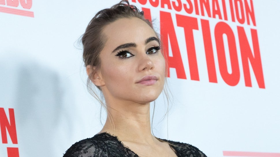 suki_waterhouse_gettyimages-1032626754_1.jpg