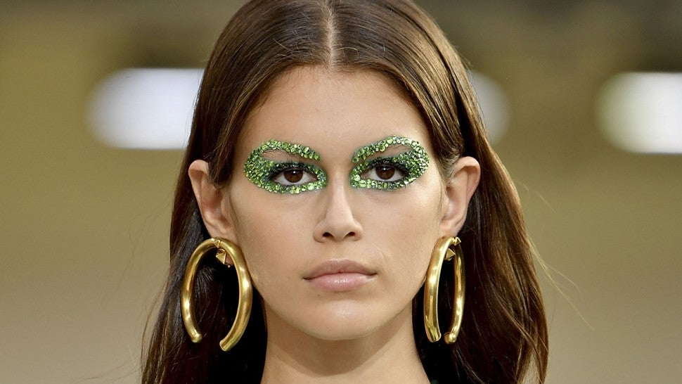 The One Makeup Trend Thats Everywhere Right Now Entertainment Tonight