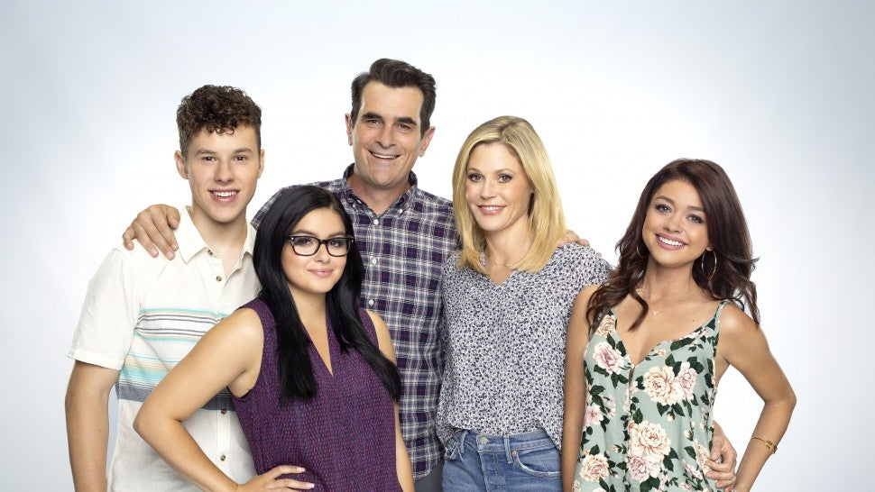 'Modern Family' reveals unexpected pregnancy: 'It's going to be a bumpy ride'