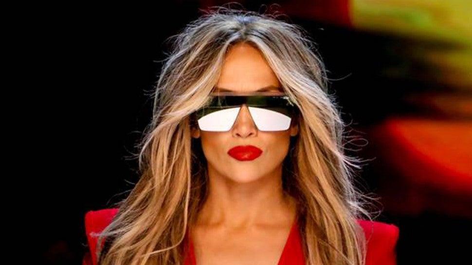 J Lo Hair Styles: Jennifer Lopez Stars Alongside Daughter Emme In Empowering