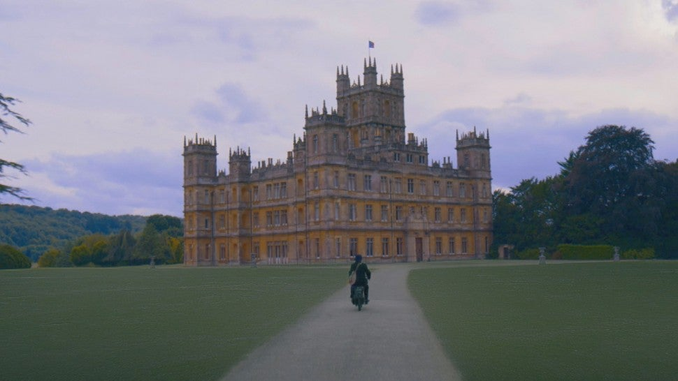 Downton Abbey opens its doors to royals in new trailer