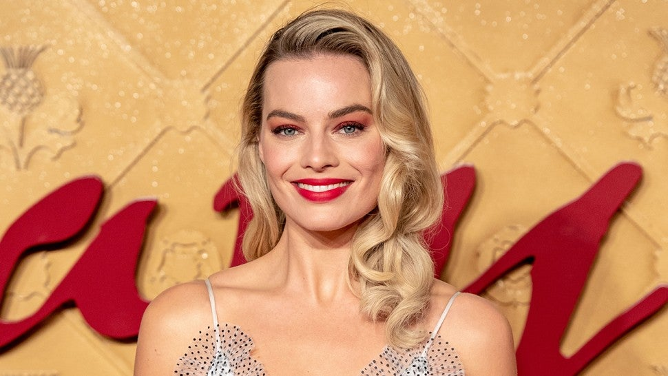 5 Easy Celebrity Makeup and Hair Ideas For the Holidays