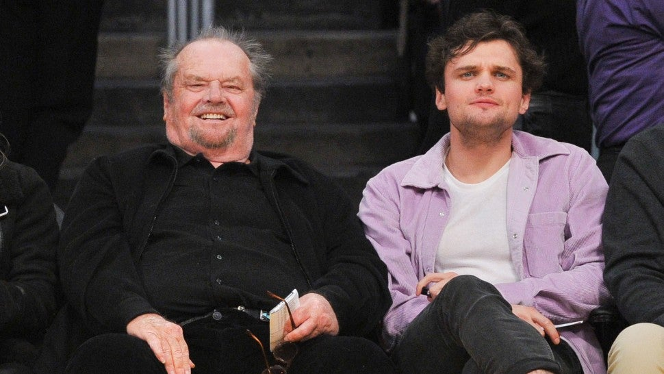 Jack Nicholson Catches Lakers Game With Son Ray In Rare Public Appearance See The Pics Entertainment Tonight Filmografia, nagrody, biografia, wiadomości, ciekawostki. jack nicholson catches lakers game with