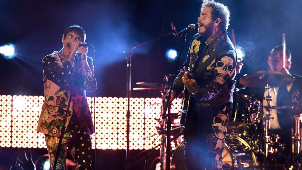 Image result for Red Hot Chili Peppers live στα Grammy