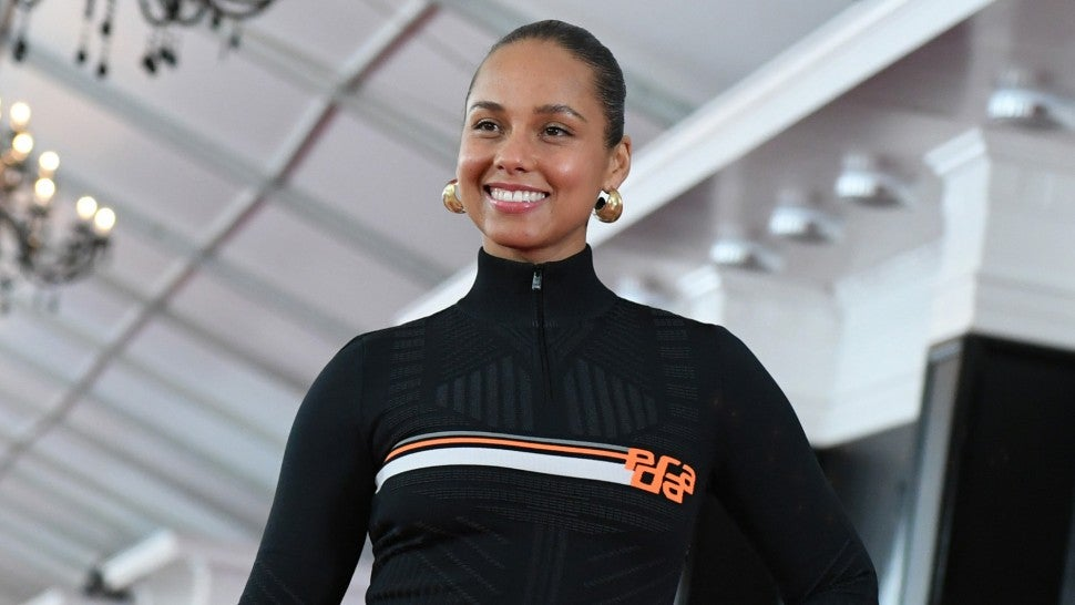 f225b4ea9bd9 Here s How GRAMMYs Host Alicia Keys Is Preparing for the Big Awards ...
