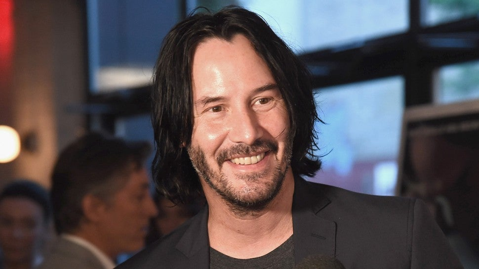 Keanu Reeves Assists Fellow Passengers When Their Plane Is Forced to Land