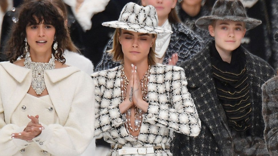 Cara Delevingne, Penelope Cruz & More Stars at Karl Lagerfeld's Emotional Last Chanel Show -- Pics!