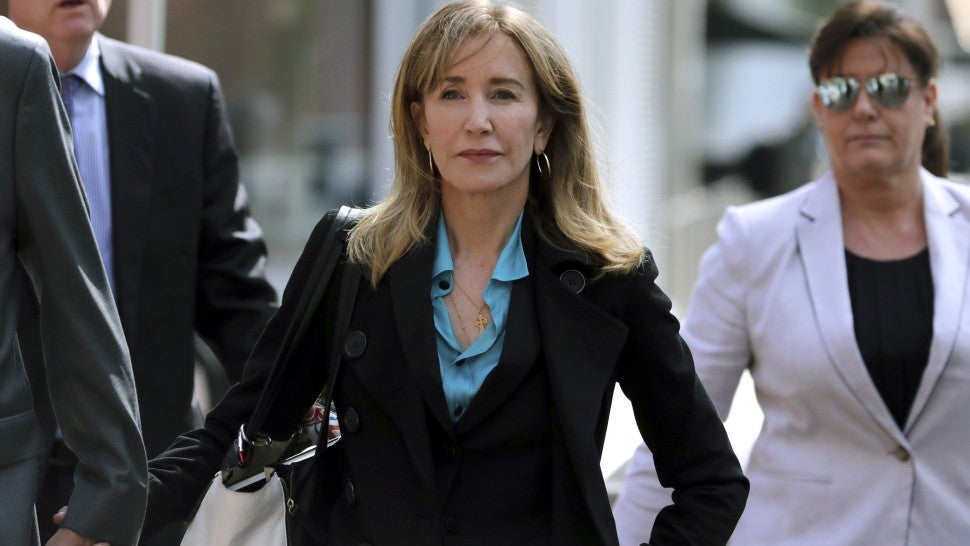 Felicity Huffman Will Plead Guilty In 'Operation Varsity Blues' Scheme