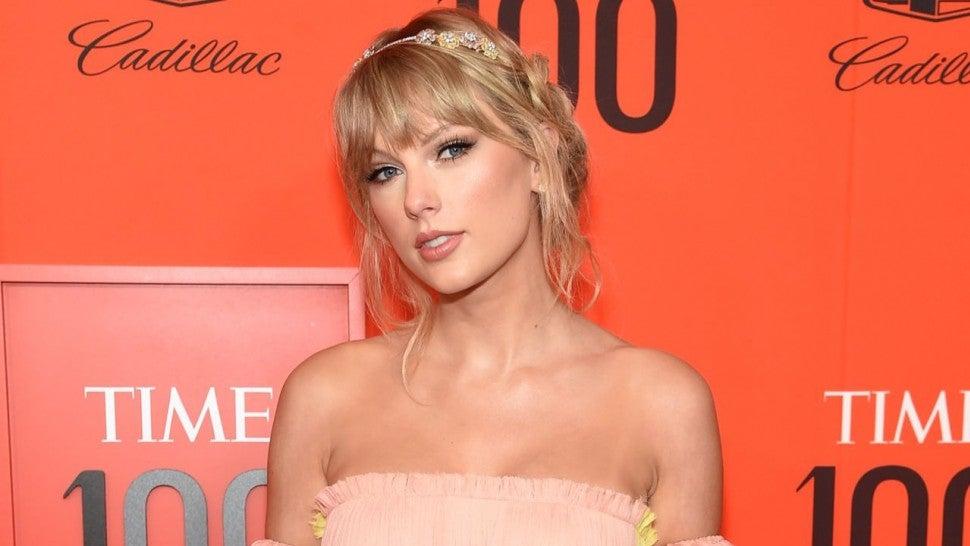 Taylor Swift Strapless Dress
