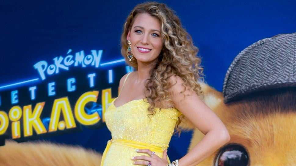 Blake Lively pregnant in yellow dress 1280