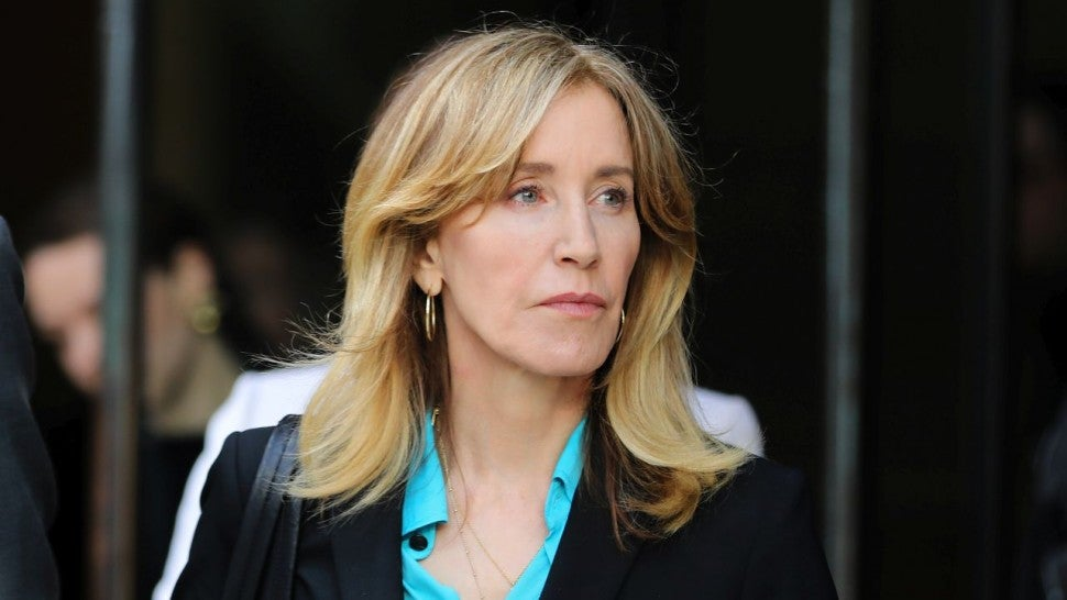 Felicity Huffman Completes Full Sentence for Role in College Admissions  Scam | Entertainment Tonight