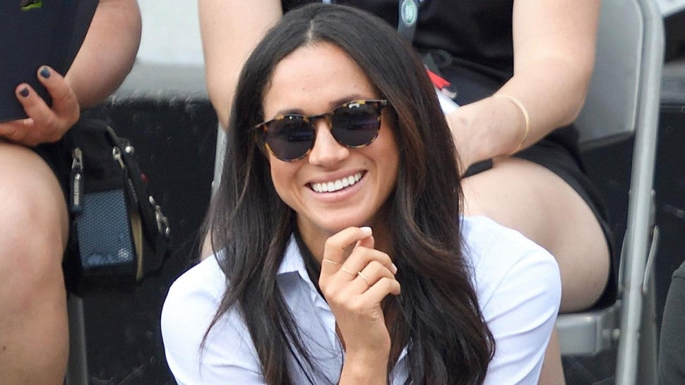 Meghan Markle in Mother jeans 1280