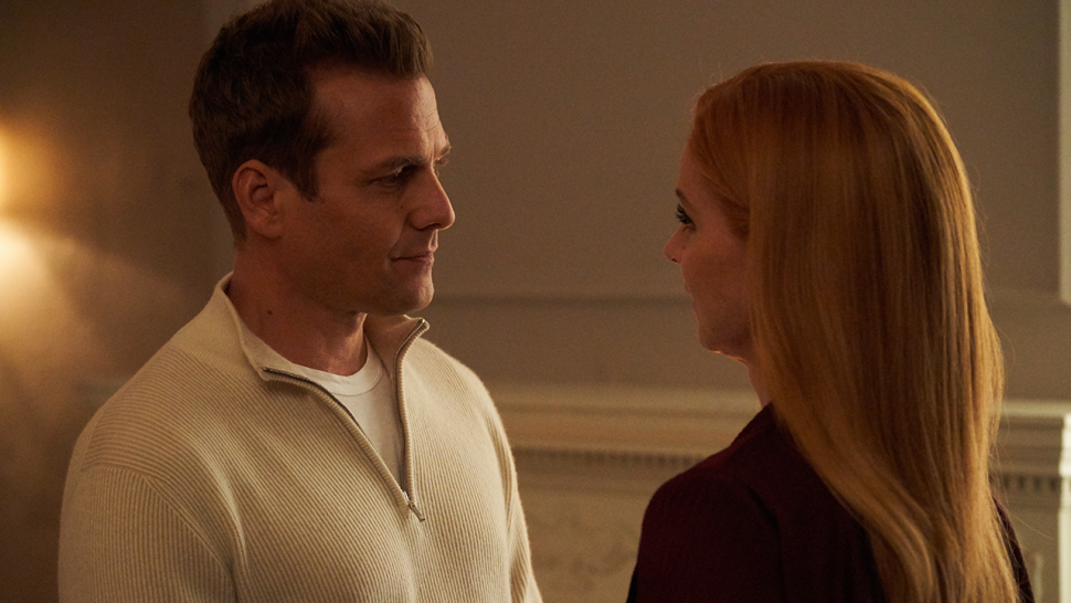 suits gabriel macht and sarah rafferty say fans will be happy with darvey romance in season 9 exclusive entertainment tonight gabriel macht and sarah rafferty say