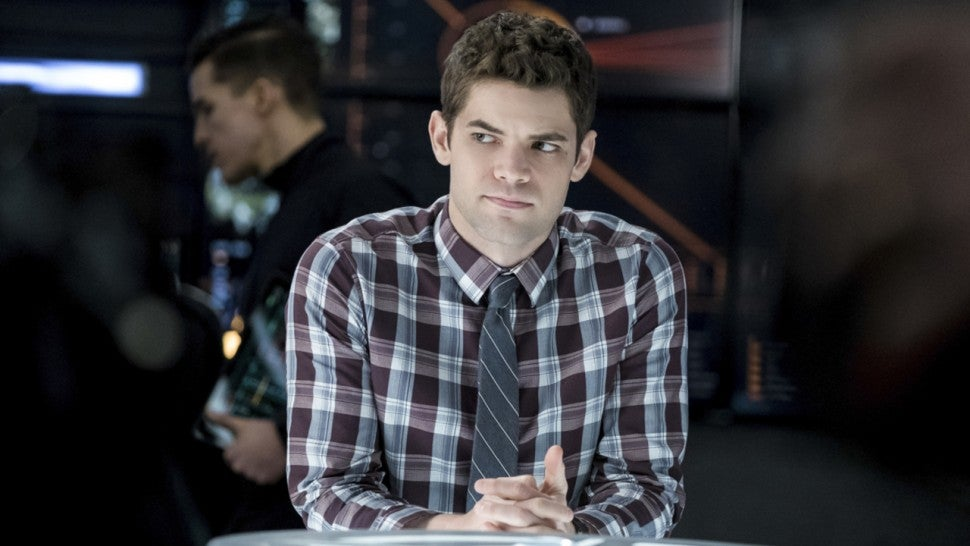 Jeremy Jordan Gives Supergirl Season 5 A Winn