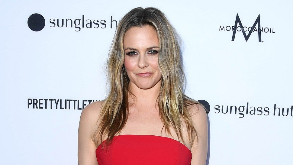 Alicia Silverstone Reveals She's Been Banned From the Same Dating Site Twice.jpg