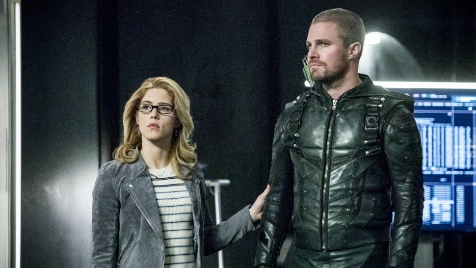 Arrow Stephen Amell Emily Bett Rickards