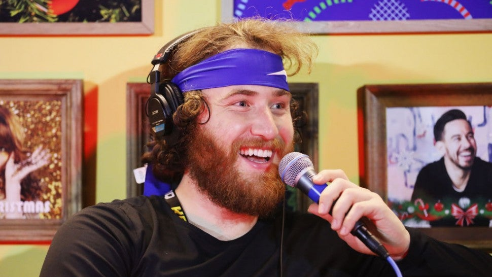 Mike Posner not rattled by snakebite