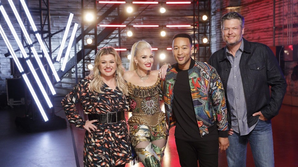 the voice blake shelton gwen stefani kelly clarkson john legend