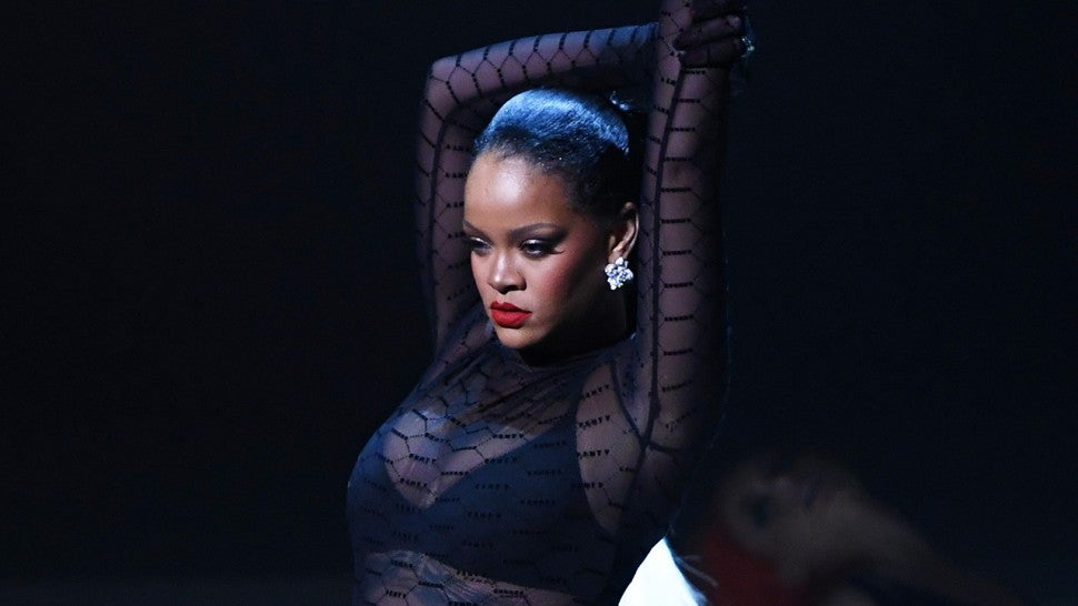 Fans Excited at Rihanna's Pregnancy hint Says 'I´m going to give birth to a black woman'