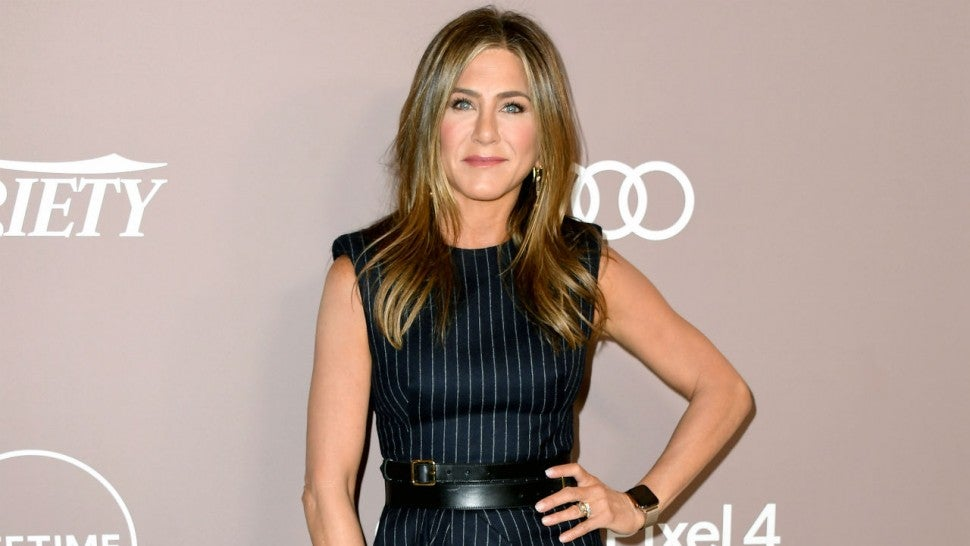 Jennifer Aniston joins Instagram, posts 'Friends' reunion photo