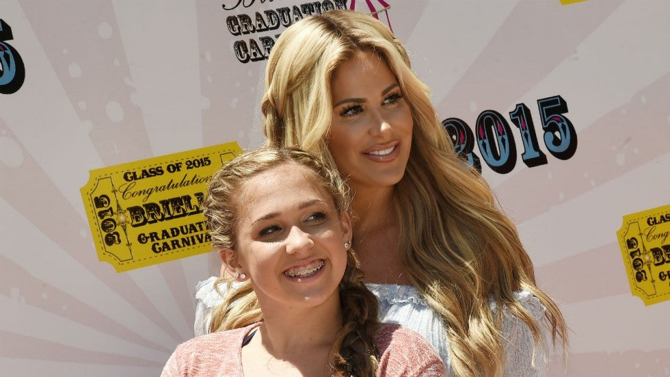 Kim Zolciak's Daughter Ariana Addresses Weight Loss and Hits Back at Eating Disorder Speculation.jpg