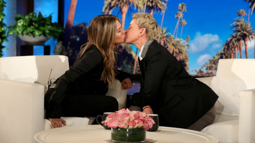 Jennifer Aniston And Ellen DeGeneres Share A Kiss On 'The Ellen Show'