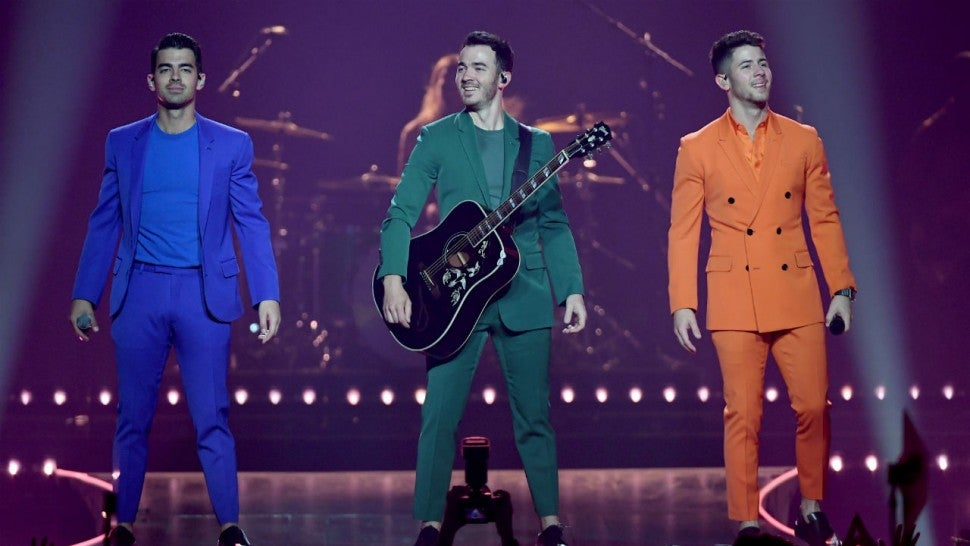 Jonas Brothers release new holiday song 'Like It's Christmas'