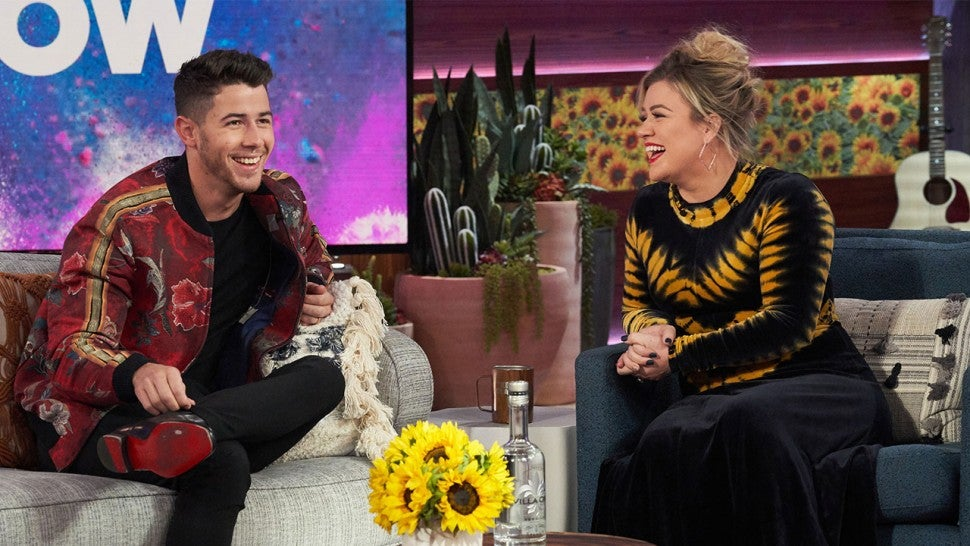 Nick Jonas and Kelly Clarkson