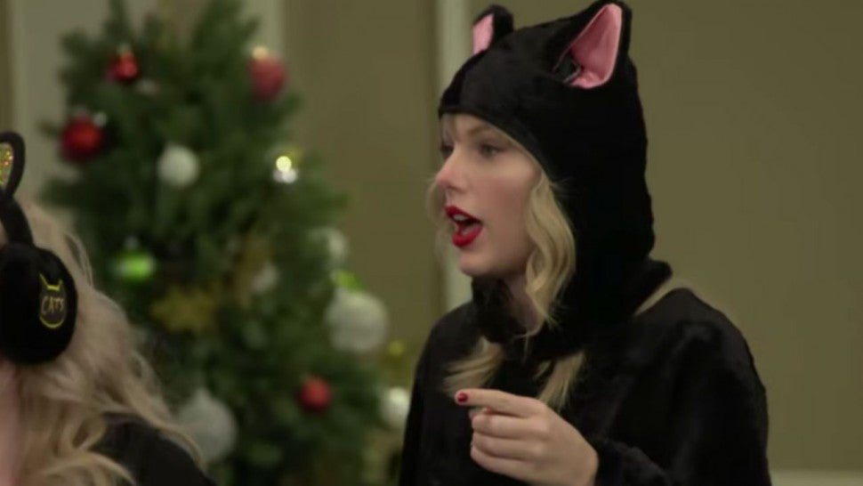 Taylor Swift and \u0027Cats\u0027 Cast Attend Cat School Led by Co