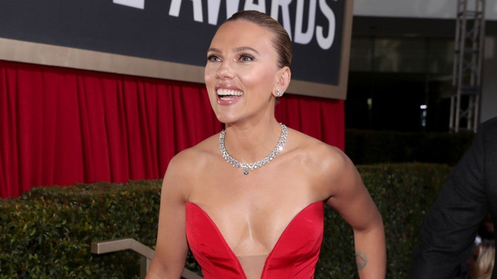 The Best Dressed Celebs at 2020 Golden Globes -- Scarlett ...