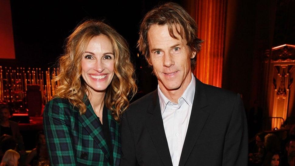 Julia Roberts Shares Rare Photo With Husband Daniel on 18th ...