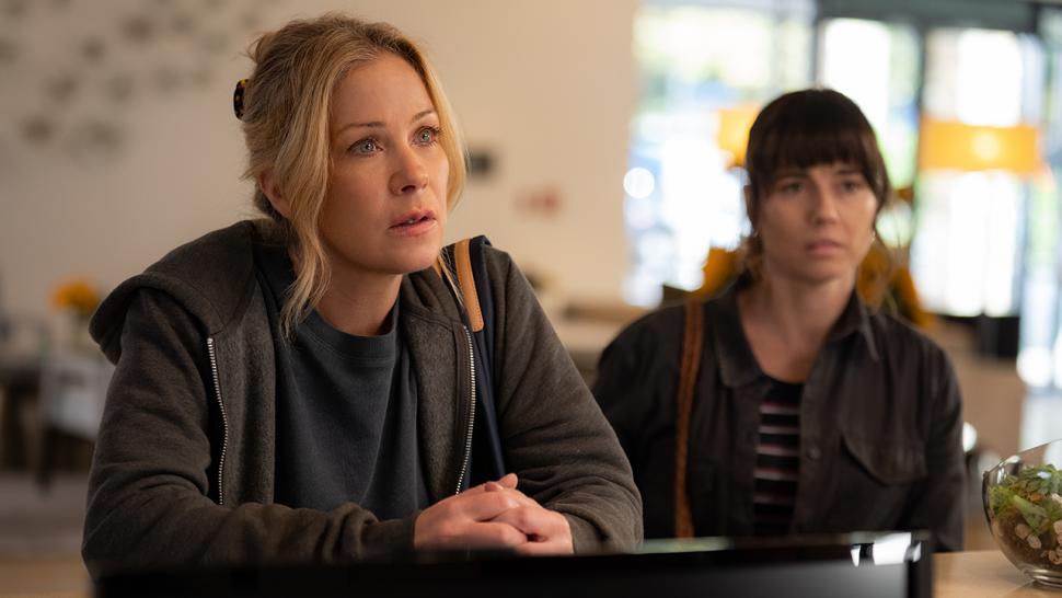 Dead to Me' Season 2 Ending Is a Huge Tease for Season 3 (Exclusive) |  Entertainment Tonight